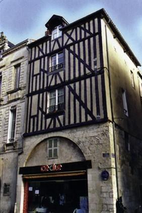 14 rue St-Yon. Lieu de culte clandestin au XVIe. La Rochelle (17)