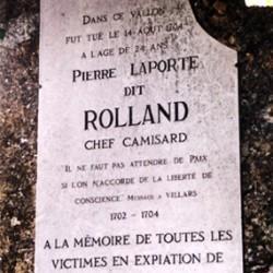 Plaque à la mémoire du chef camisard Pierre Laporte dit Rolland.