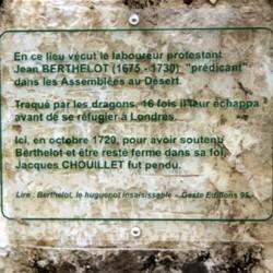 Plaque à la mémoire de Jean Berthelot (1675-1730), prédicant en Poitou.
