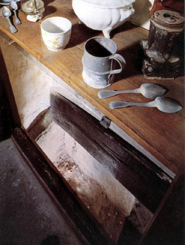 Cachette du pasteur dans un placard