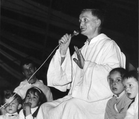 Frère Roger Schutz, prieur de Taizé