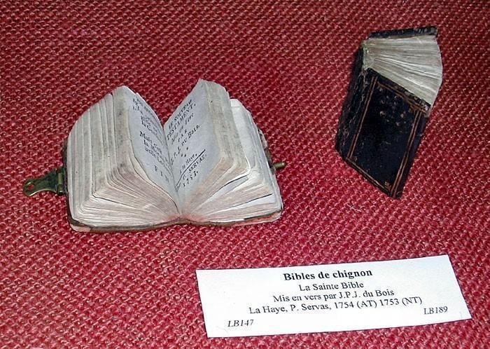 Bibles dites de chignon (XVIIIe siècle)