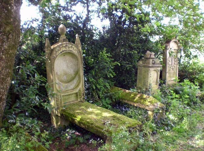 Cimetière protestant près de Beaussais (79)