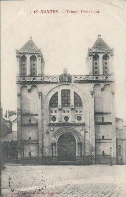 L'ancien temple de Nantes, bombardé en 1943.