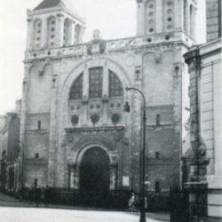 <i>Le temple (1943), place de Gigant, quelques mois avant sa destruction</i>