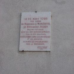 <i>Plaque commémorative de la déportation de camisards – Mialet</i>
